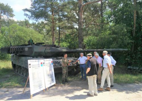 06. kennismaking Leopard-2A6MA2